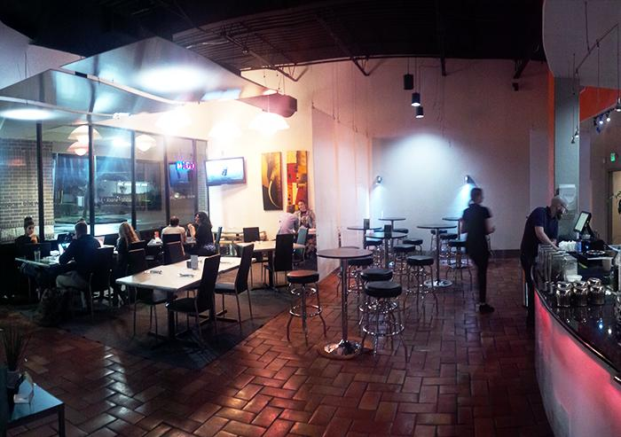 The+health+food+store+and+juice+bar+offers+a+variety+of+wholesome+foods+and+beverages+while+catering+to+a+late-night+crowd.%0A