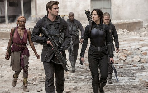 From left, Commander Paylor (Patina Miller), Gale Hawthorne (Liam Hemsworth), Boggs (Mahershala Ali), Katniss Everdeen (Jennifer Lawrence), and Pollux (Elden Henson) in
