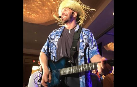 Award-winning musician Travelin' Max will headline the entertainment for South and Central Campuses' Spring Fling events on April 4 and 5, respectively.